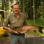 Wolfgang Nitsche mit 18 Pfund Grasfisch